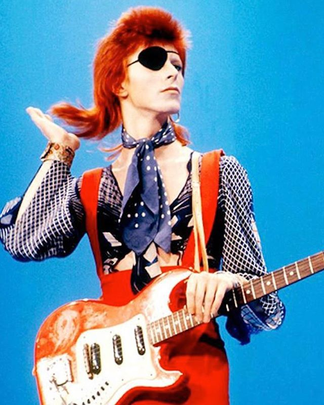 Forever a fashion icon #tbt #davidbowie