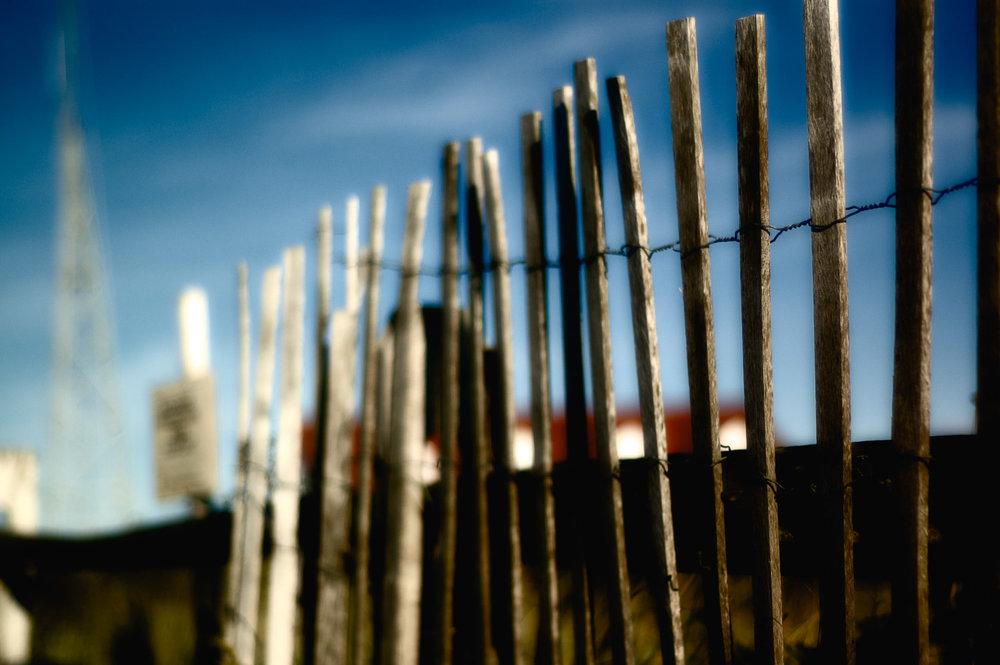 fence_nik_effect.jpg