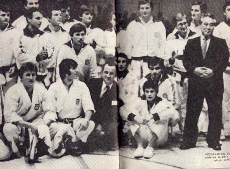 National Team of former Yugoslavia with Kase Taiji sensei, during European Champinoship in Belgrade 1978