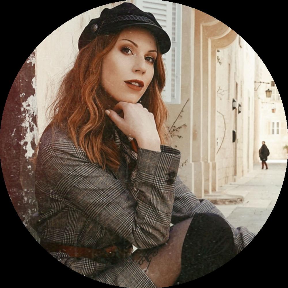 Skadi Rosehurst/ Blogger of SCADIOUS