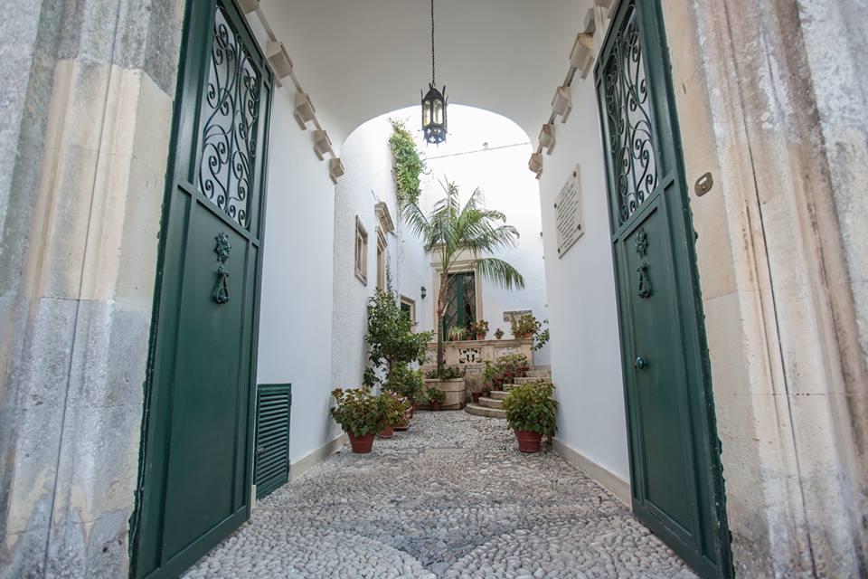 Villa de Pietro Entrance.jpg