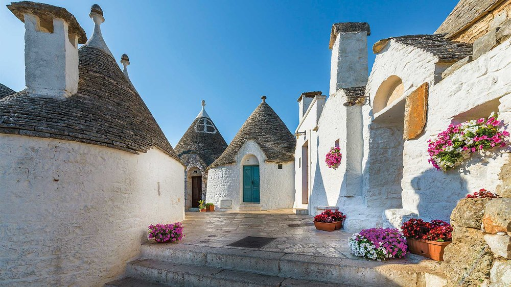 1-Alberobello-steps-&-flowers_web.jpg