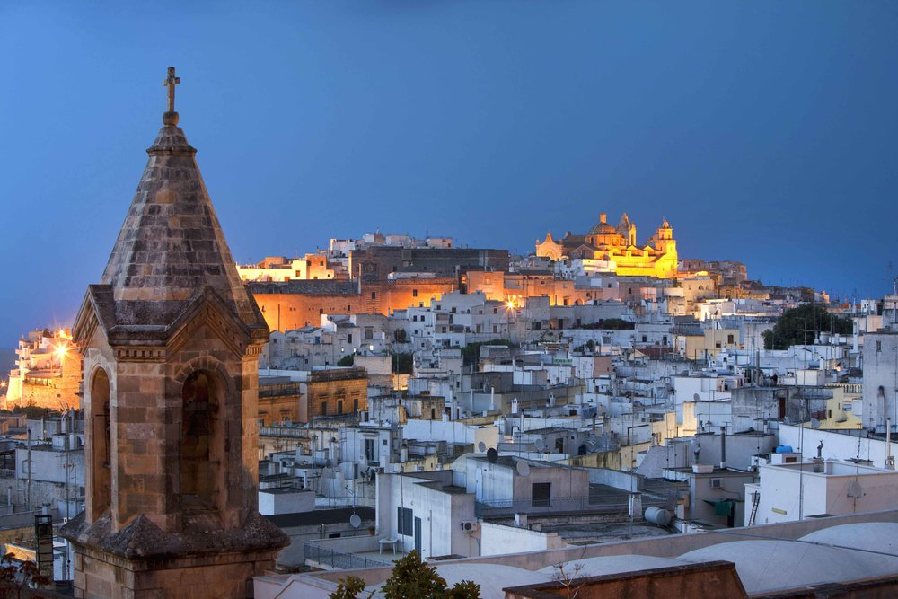 Ostuni(BR)--Panorama_by-night-web.jpg