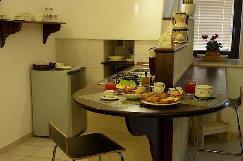 Voltastella Bordo Kitchen.jpg