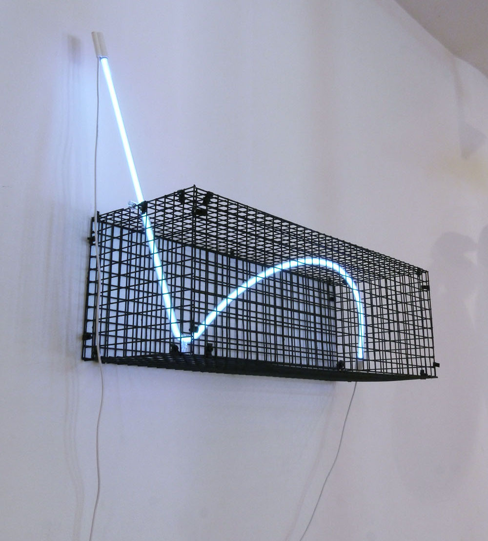 Capture, steel and neon, 85 x 43x 30cm, exhibited at CSM x CMS Entangled, Four Corners Gallery, London 2017