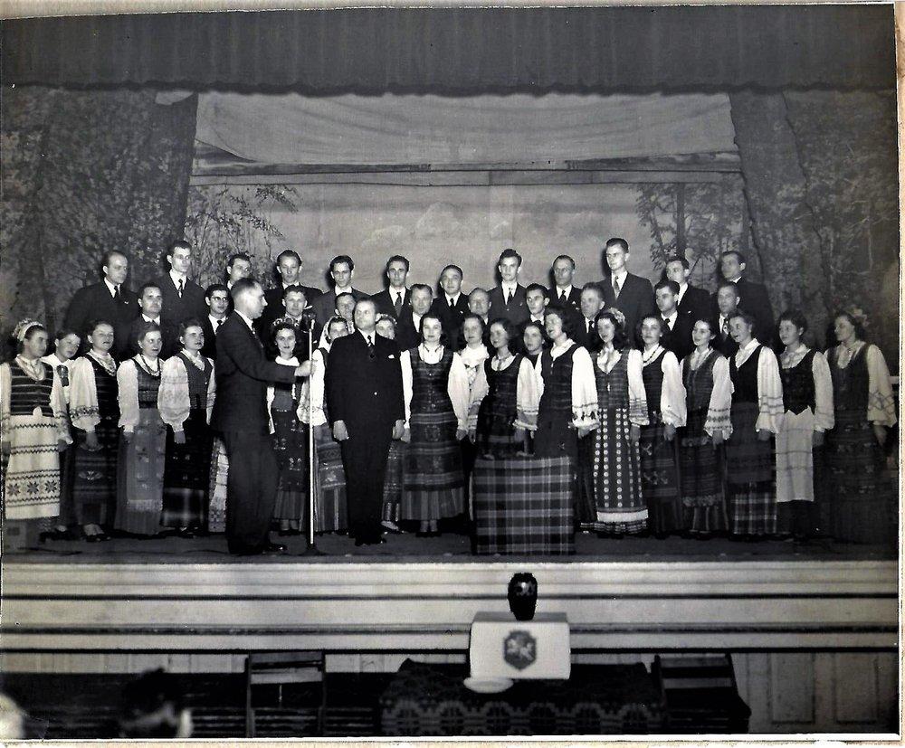 """""""Dainos Tremtiniu"""" Choir"""