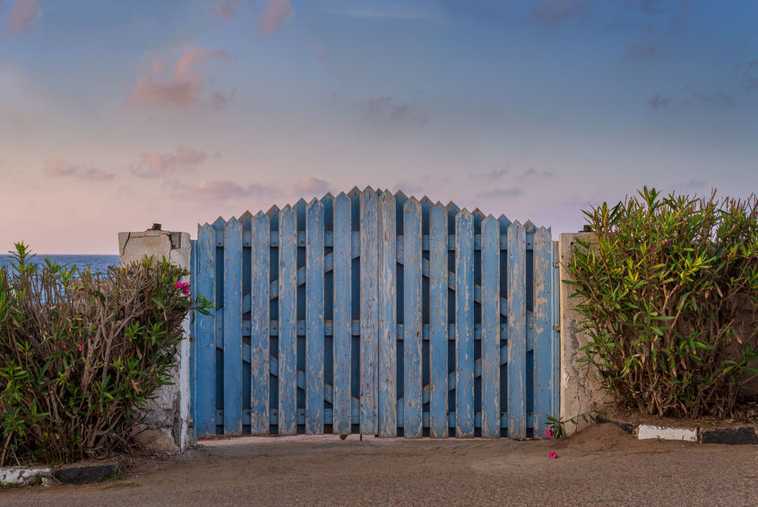 101770136_s blue beachy gate.jpg