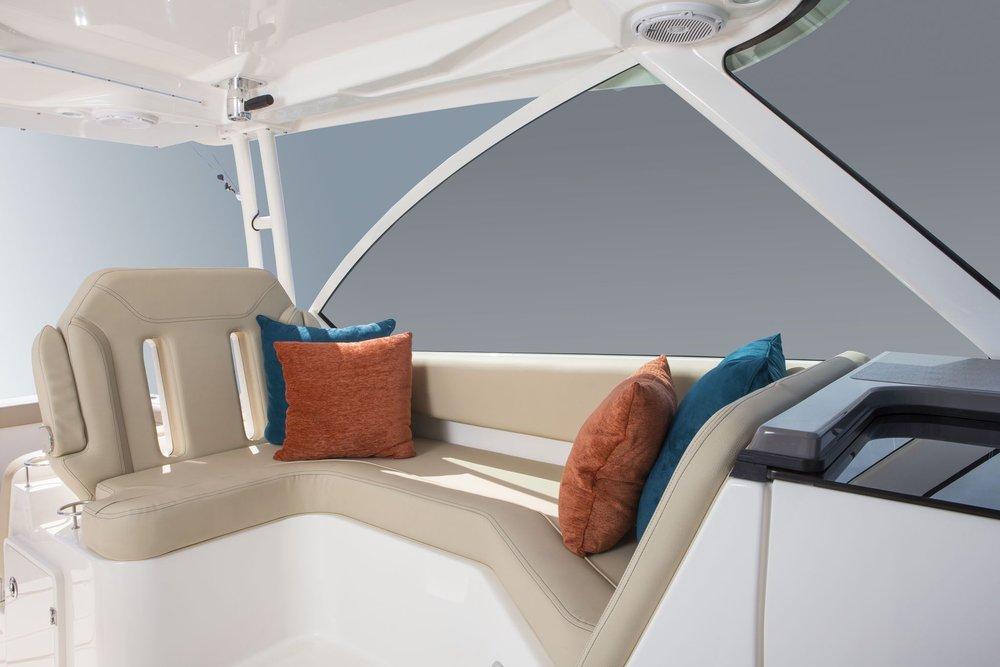 PB-DC325-Lounge-LG.jpg
