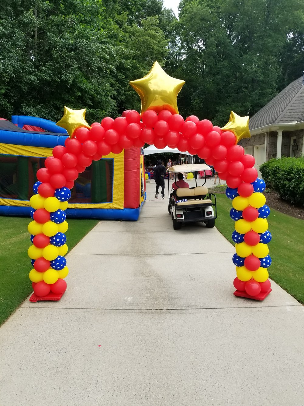 Wonder woman balloon arch.jpg