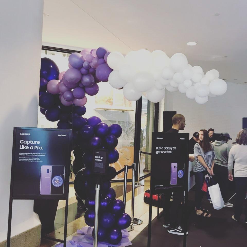 Samsung Organic balloon arch.jpg