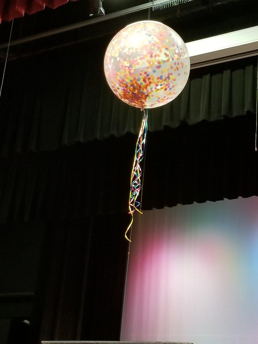 Jumbo confetti balloon.jpg