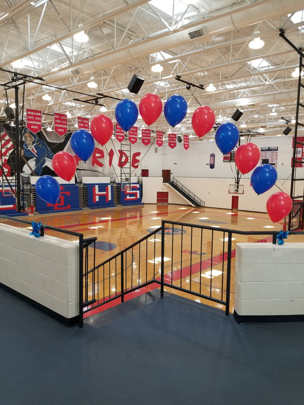 High school senior night balloons .jpg
