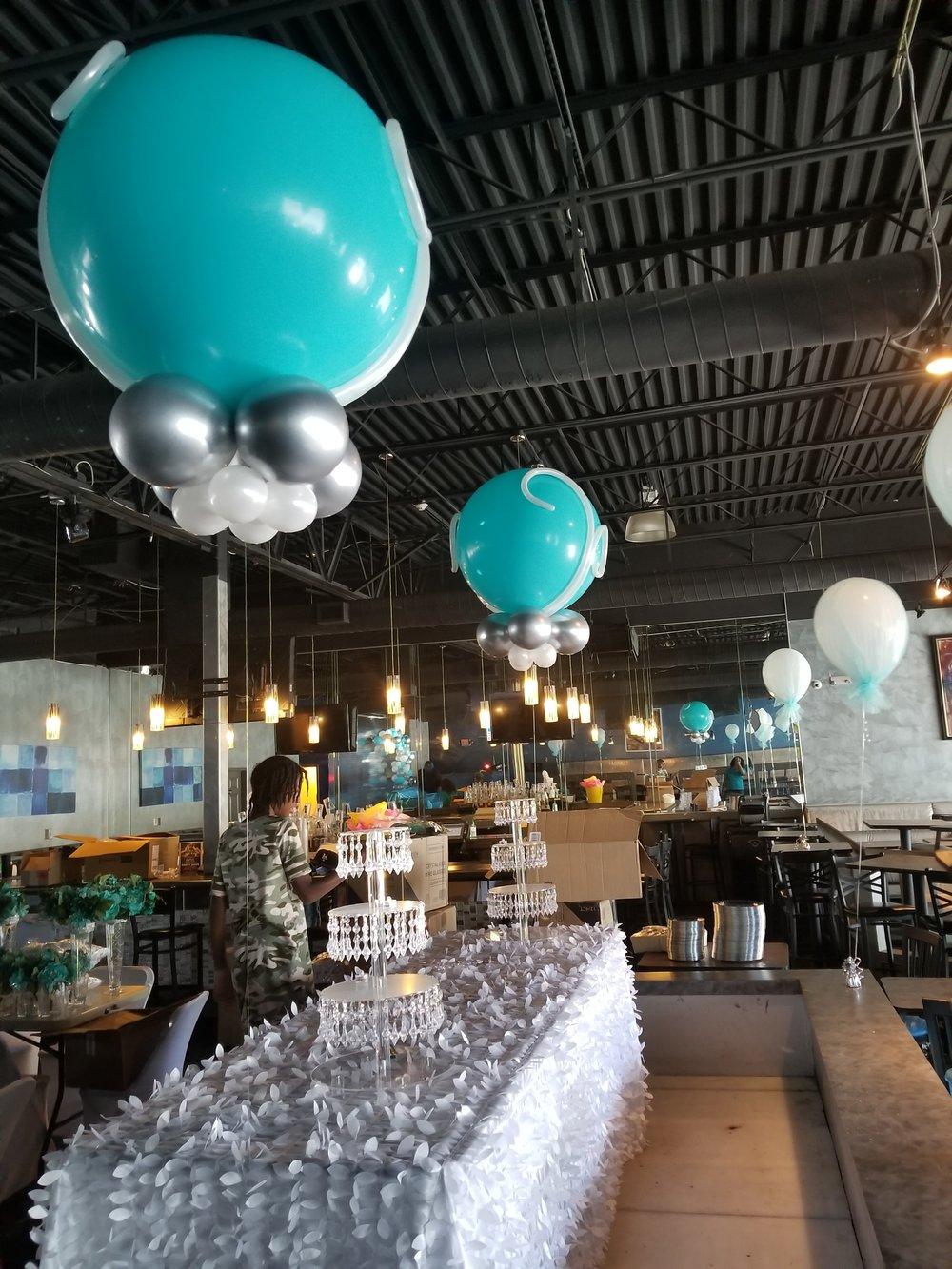 Jumbo latex balloons.jpg