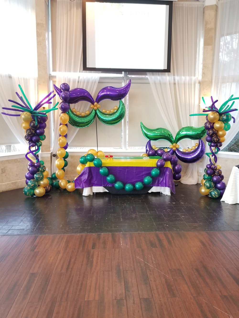 Mardi gras balloon decor.jpg