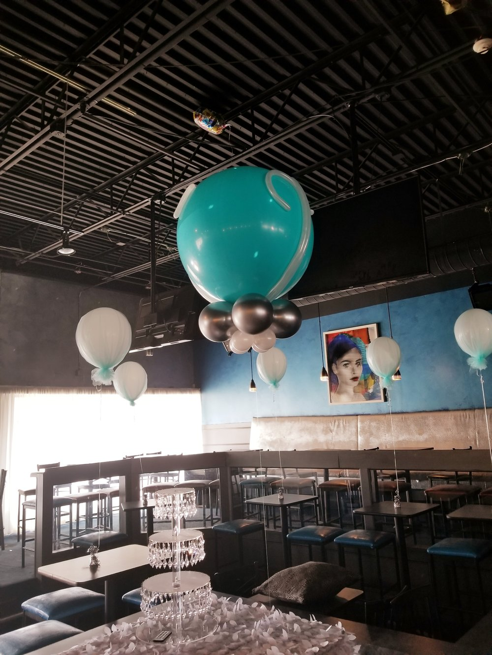 Tulle latex balloons.jpg