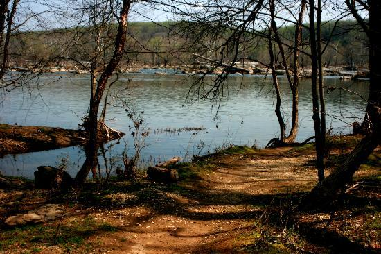 The Potomac Heritage Trail