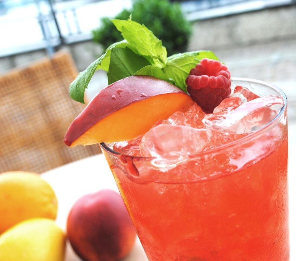 Food expert LeAnn Rice has some summertime beverages that will help you keep cool!