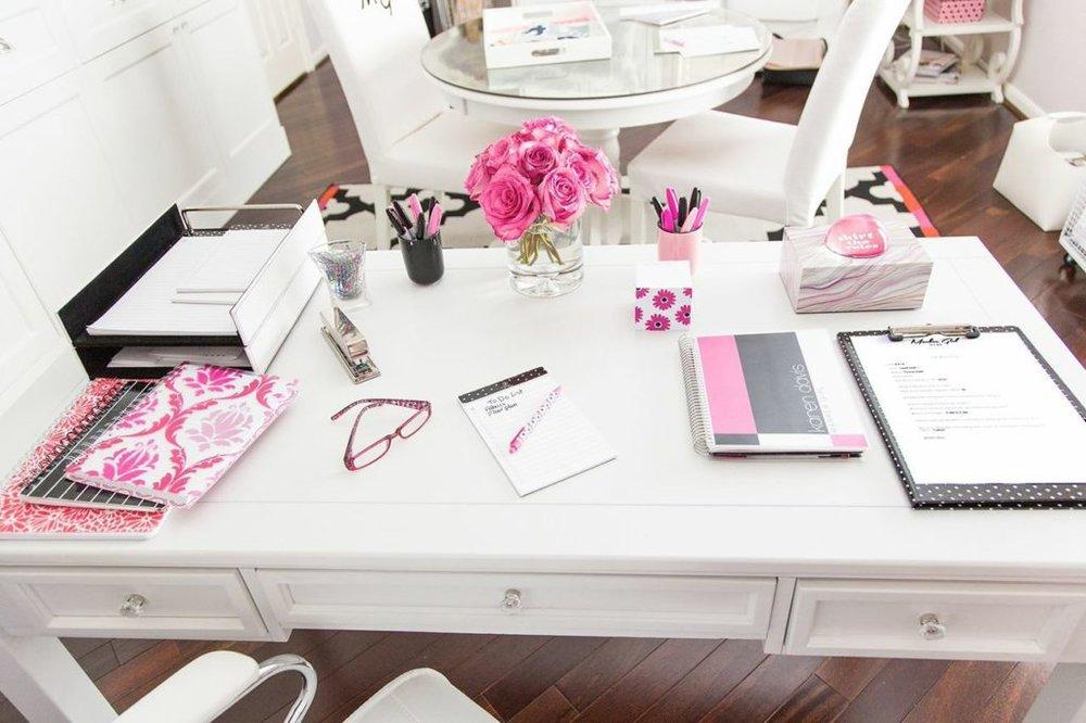 pink-office--1024x682.jpg