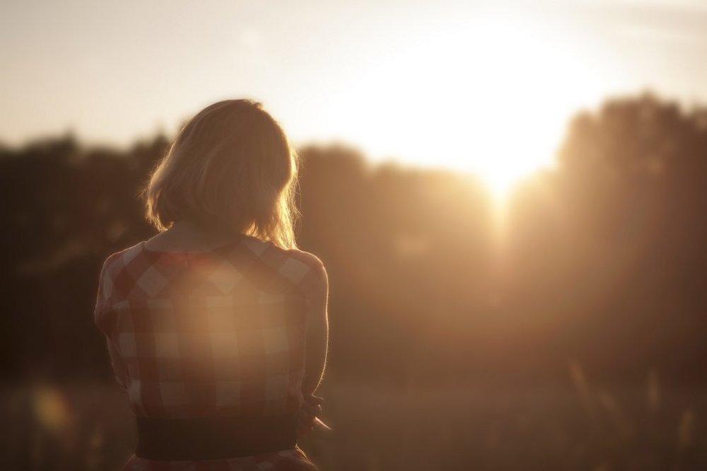 dawn-nature-sunset-woman-1024x682.jpg