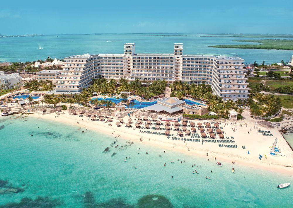 cancun hotel.JPG