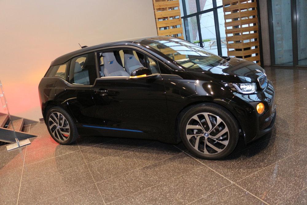 expositores de gran nivel como BMW con su auto i3