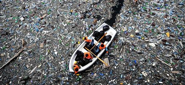photo curtesy plastic-pollution.org