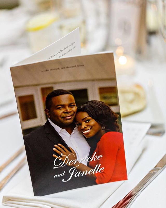 We love seeing how you use or display your #customweddingmagazines at your wedding. Use #ujinthewild when you receive or share your magazines so we can see! 🤗🤗🤗