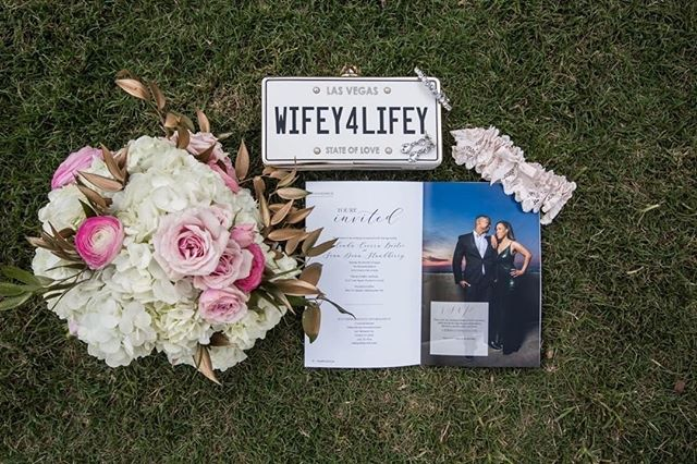 Contrary to popular belief, we believe that what happens in Vegas shouldn't always stay in Vegas. Congratulations on tying the knot @cierra_003! We love seeing our wedding magazines in action! ⠀⠀⠀⠀⠀⠀⠀⠀⠀ ⠀⠀⠀⠀⠀⠀⠀⠀⠀ PC: @oakandgoldstudios⠀⠀⠀⠀⠀⠀⠀⠀⠀ ⠀⠀⠀⠀⠀⠀⠀⠀⠀ #customweddingmagazine #engaged #bridetobe #weddinginvitations #weddingmagazines #imengaged #gettingmarried #shesaidyes #isaidyes #heproposed #weddingstationery #thatsdarling  #weddingvendor #unlikejuliet #weregettingmarried #weddinginspo #weddingprograms #weddingfavors