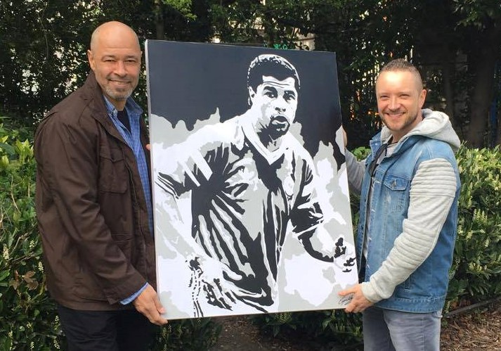 'THE GREATEST' - Presenting one of my earlier paintings to the legendary Paul McGrath.This painting was signed by Paul and sent to auction where it raised fantastic funds for Children with Autism.FUN FACT: This piece actually started an incredible snowball effect of Irish football player portraits.