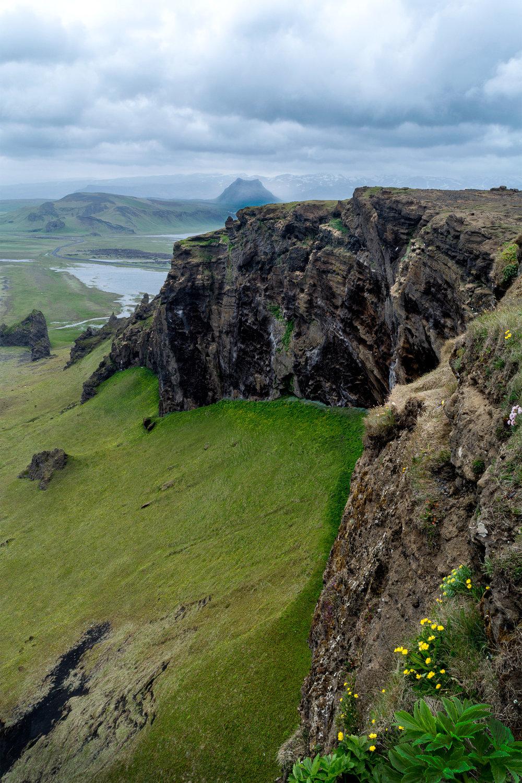 Kirkjufjara beach cliff small.jpg