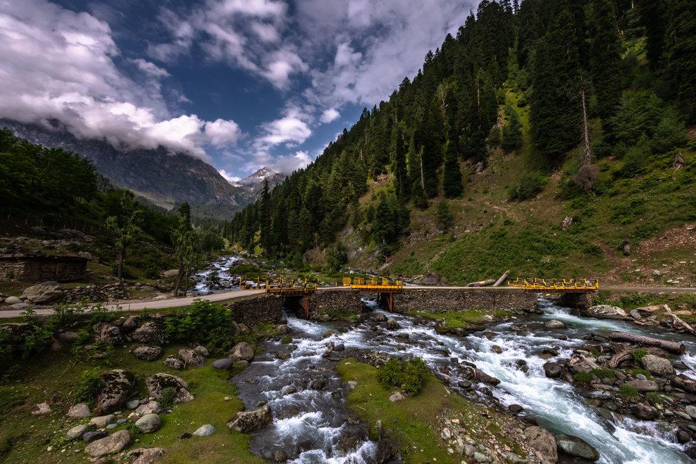 Streams flowing through Aru valley