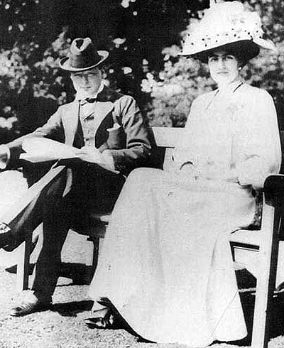 Winston Churchill  (1874-1965) with fiancée  Clementine Hozier  (1885-1977) shortly before their marriage in 1908, Wikimedia Commons