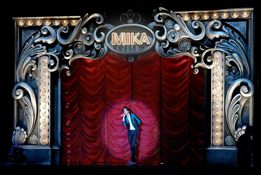 MIKA AT THE BRITS