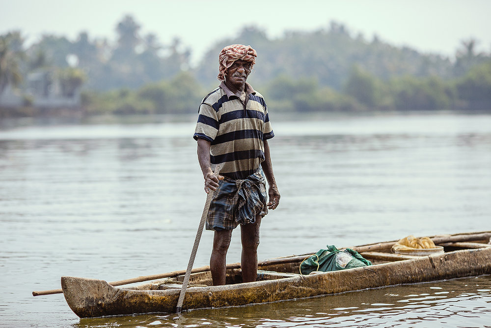 fisherman_canoe_kerala_backwaters.jpg