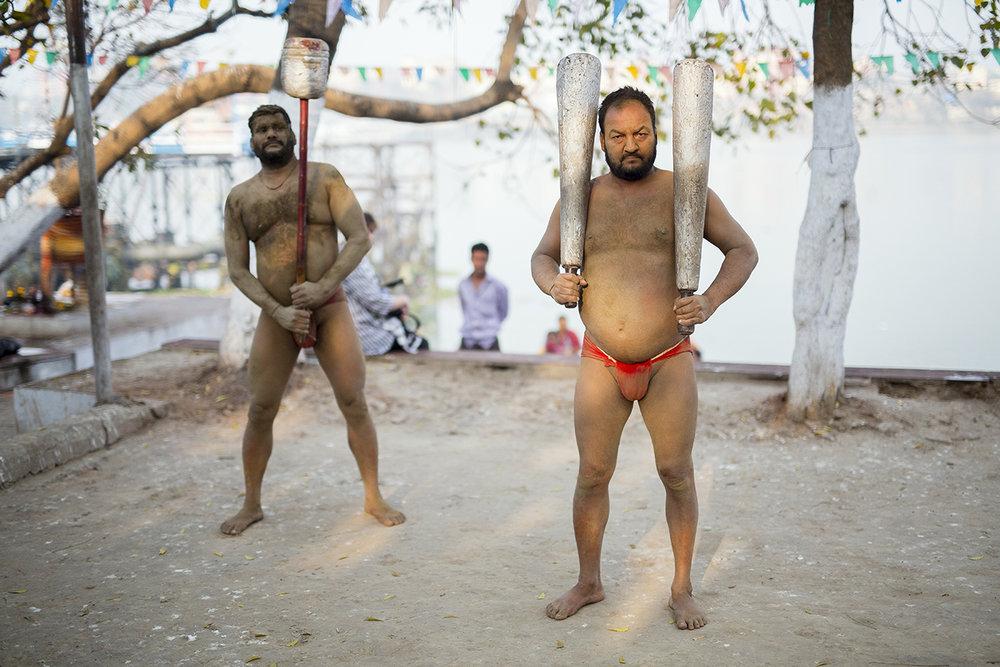 kushti_akharas_wrestlers_kolkata_ghats.jpg
