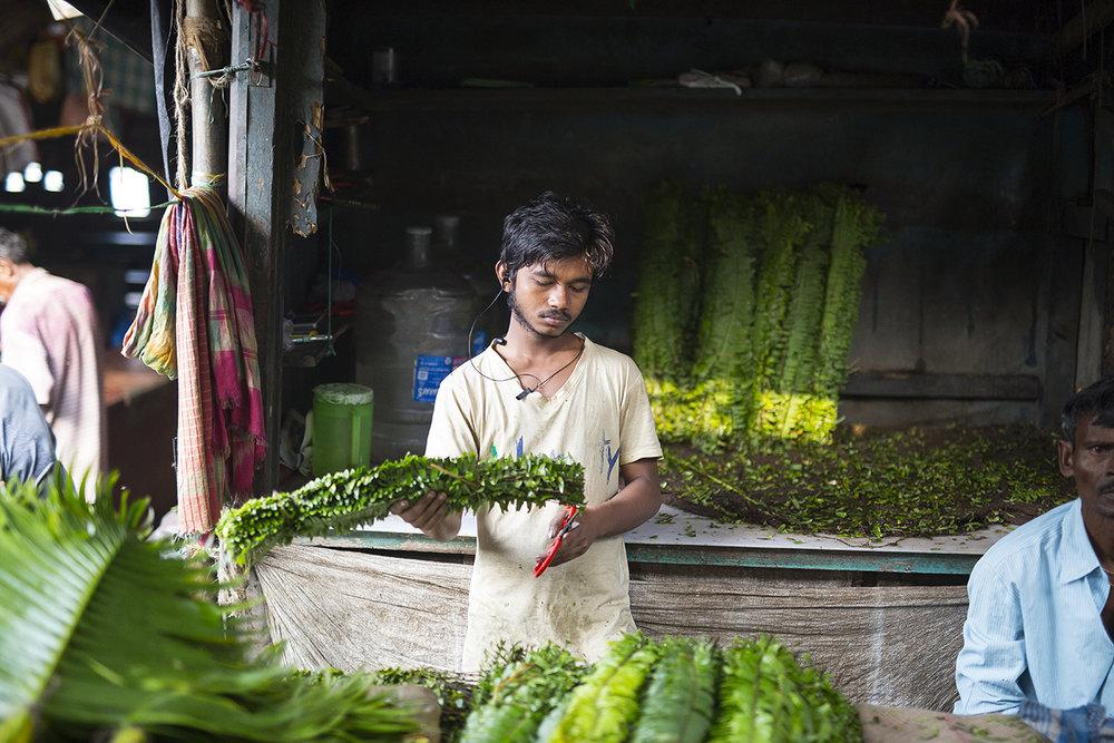 Kolkata_flower_market.jpg