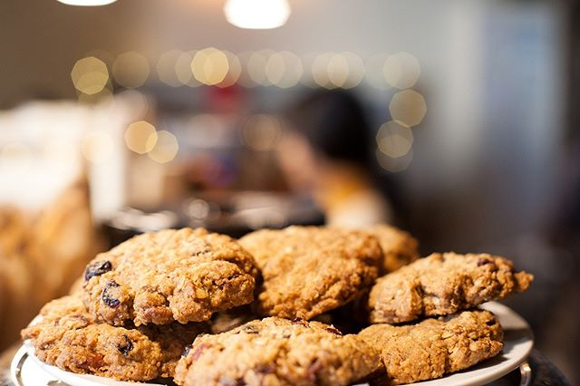 our famous kitchen sink cookies - 📷 @gosnapjax