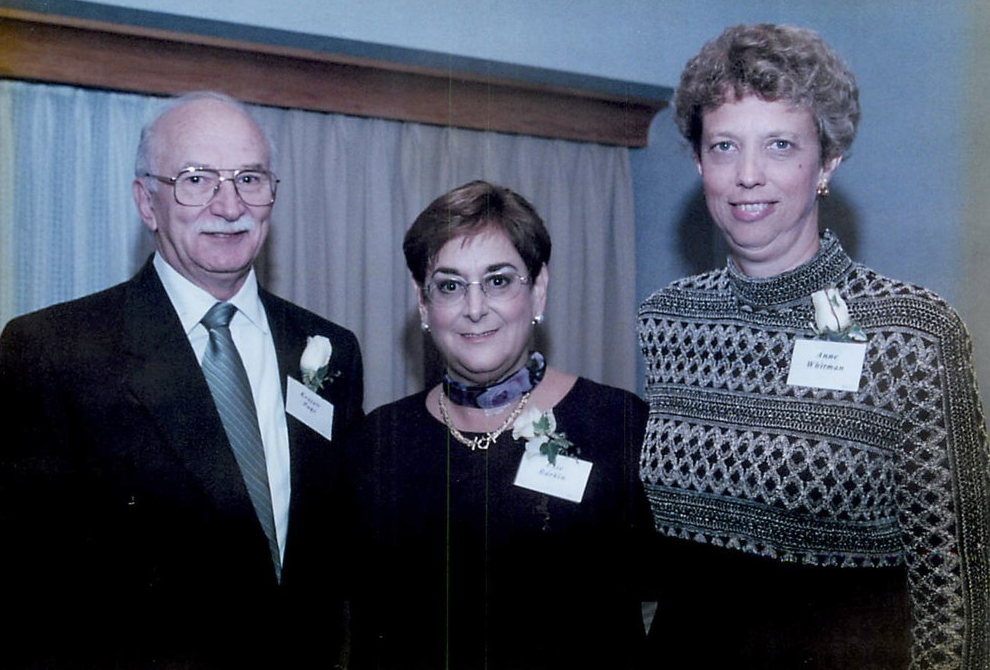 Everett Page (then President of MMDA) with Cole co-founders Evie Barkin (center) and Anne Whitman