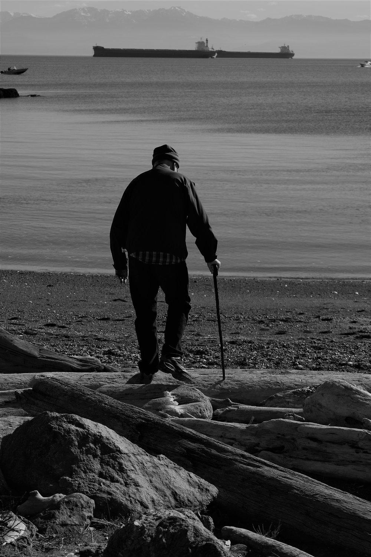 A moment with Grandpa Portrait - Victoria, BC