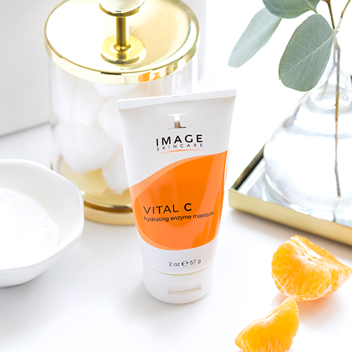 Lifestyle-Shots-2Vital-C-hydrating-enzyme-masque.png