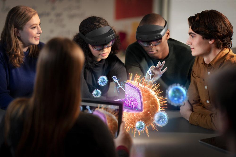HoloLens2_Education2.jpg