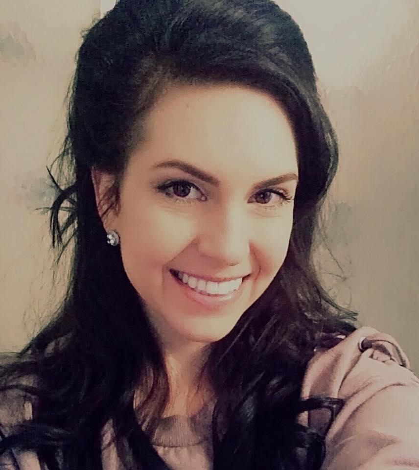 Vesna Headshot.jpg