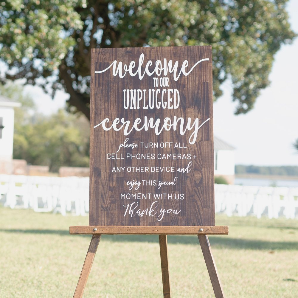 Unplugged ceremony wooden sign.