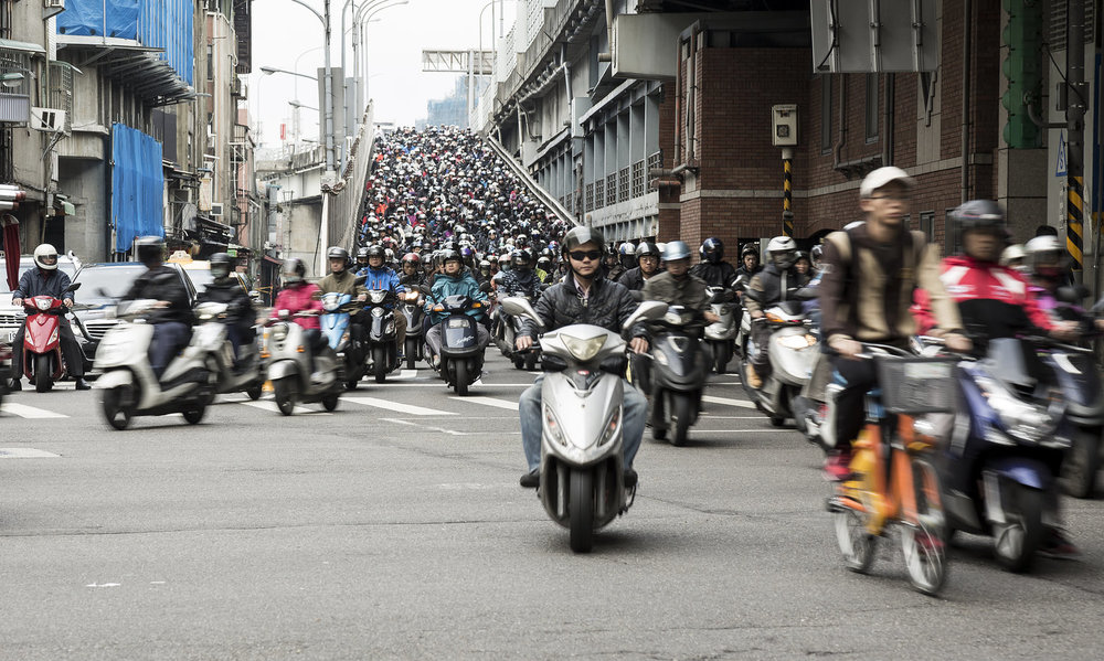 Scooter+Crowd+China.jpg