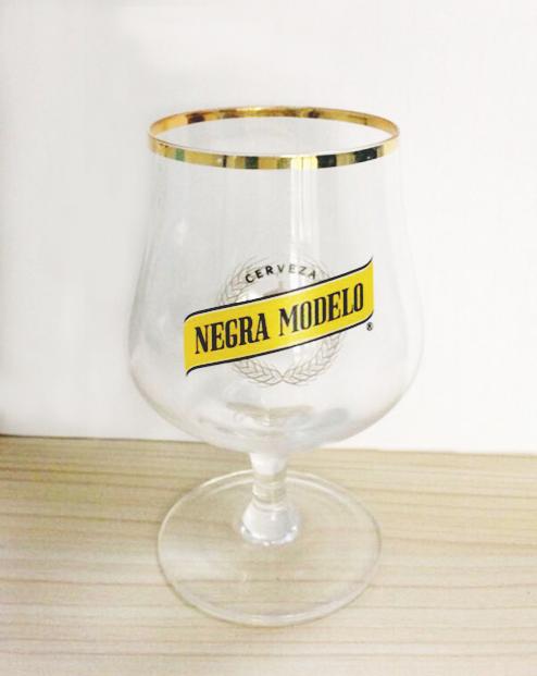 Negra Modelo Glass