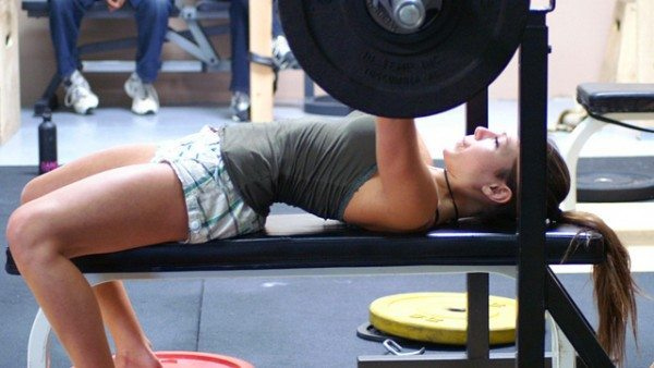 female-bench-press.jpg
