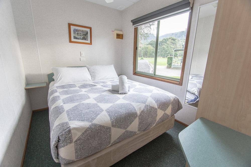 2-bedroom-deluxe-01.jpg