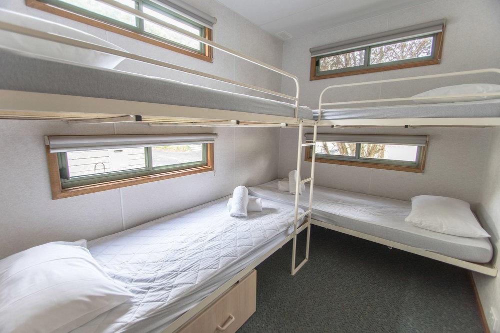 2-bedroom-deluxe-04.jpg