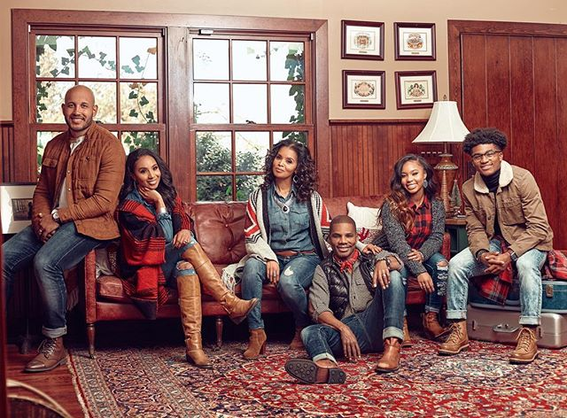 My Holiday lens on The Franklins ... @kirkfranklin @iamtammyfranklin @love.carrington @kenn_elizabethh @craftby.caz @maxxwelldone . . #portraitmood #portraitpage #portraitphotography #portrait #portrait_vision #pursuitofportraits #theportraitpr0ject #portrait_ig #portraitvision #moodyports #bravogreatphoto #portraitfestival  #photooftheday #dynamicportraits #portraits_mf #discoverportrait #portraiture #portraitfolk #hypebeast  #portraitstream  #igpodium_portraits #majestic_people #portrait_shots #atlantaphotogtaphy #dallasphotographer  #houstonphotographer #portraits #portraitgames #postthepeople #postmoreportraits