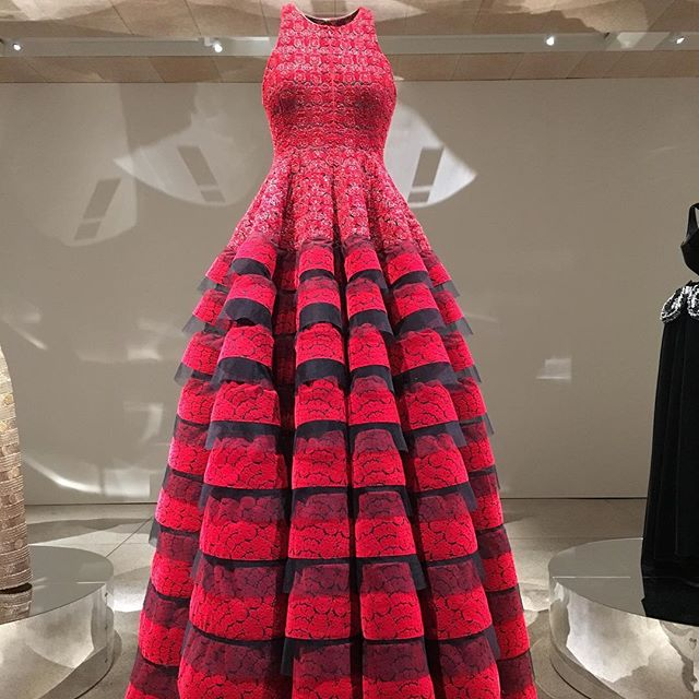 Azzedine Alaïa What an exquisite dress! He was an extraordinary couturier. #exhibition #Design museum #London #couture #lovingit